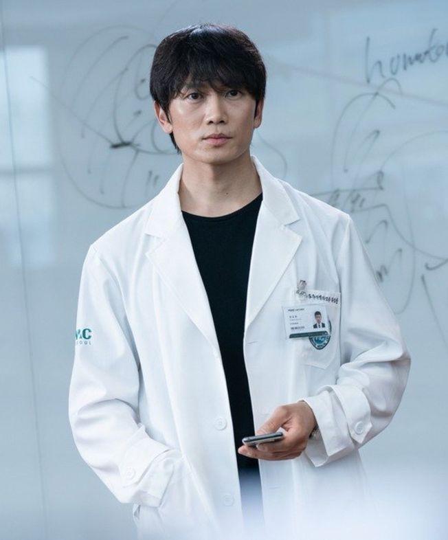 池晟飾演痛症醫生,演技傳神。(圖:friDay影音提供)