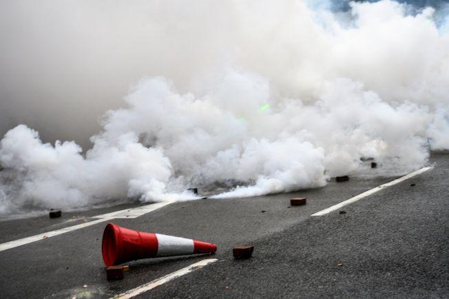 荃灣遊行演變成警民嚴重衝突。(Getty Images)