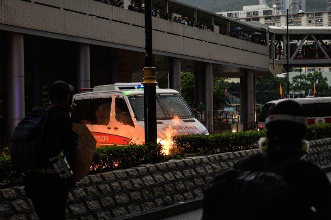 荃灣遊行演變成警民嚴重衝突,共有8人受傷送醫院。(Getty Images)