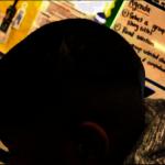 初中生髮雕 遭教職員塗黑頭皮 家長怒告學區