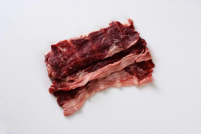 亞硝胺這種致癌物,有可能會出現在製造品質不良或放置過久而導致肉質不新鮮的加工肉品上,但不會在人體的胃腸內反應合成,所以不用擔心蔬菜、海鮮及加工肉品一起吃的問題。 圖/ingimage