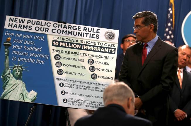 加州16日舉行記者儲會,宣告成為全美第一個向川普政府新移民規定提出法律挑戰的州。(Getty Images)