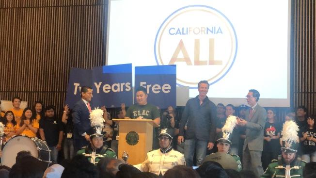 加州州長紐森(Gavin Newsom)29日來到東洛杉磯學院(East Los Angeles College)宣傳加州社區大學兩年免學費的項目。(記者王若然/攝影)