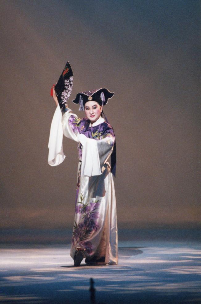 楊麗花在「梁山伯與祝英台」中飾演梁山伯俊俏書生扮相。(圖:麗生百合提供)