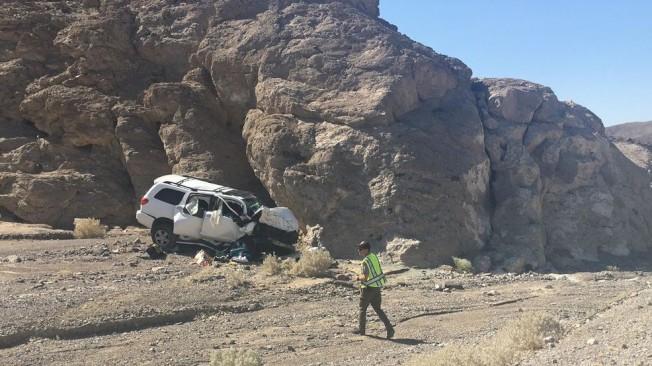 一名婦人在死亡谷國家公園駕車撞岩壁身亡。(國家公園局提供)