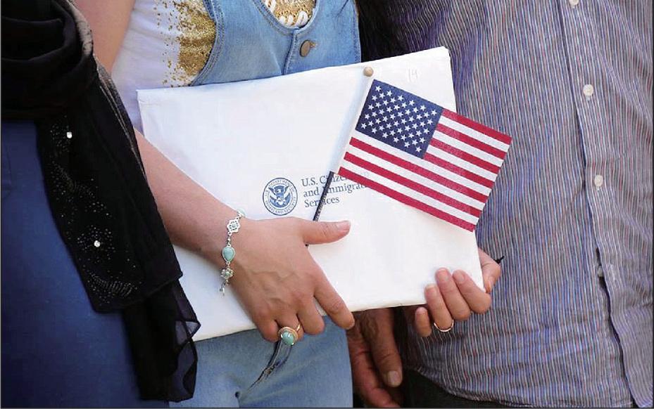 工作簽證有名額限制,投資移民不僅門檻高、等待排期時間也久,因此O-1、L-1簽證近年越來越受歡迎。(移民局臉書)