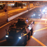 解放軍車凌晨駛進香港  官媒推播快訊:駐港部隊第22次輪換