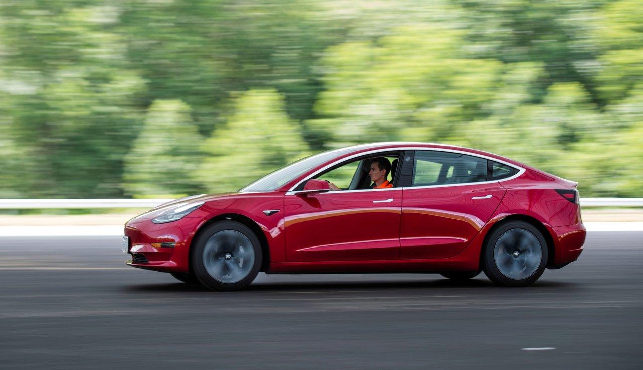 特斯拉遭德國租賃汽車公司取消Model 3訂單。路透