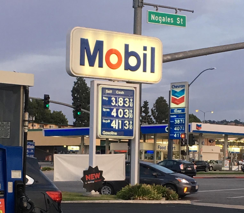 南加州部分地區油價已漲破4元。