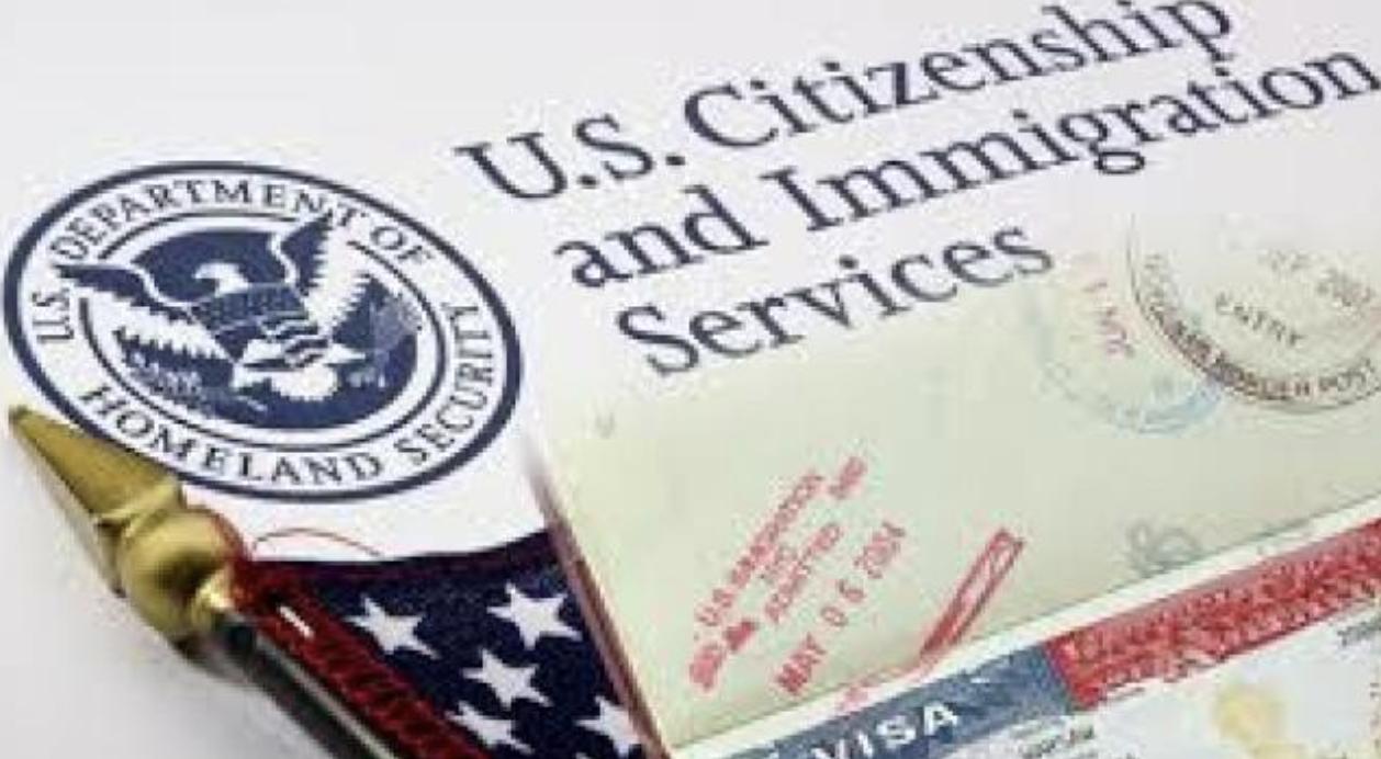 移民局對於所有簽證及綠卡審核越來越嚴格,喜歡雞蛋裡挑骨頭,並持有「能不給就不給」的態度。(取自移民局網站)