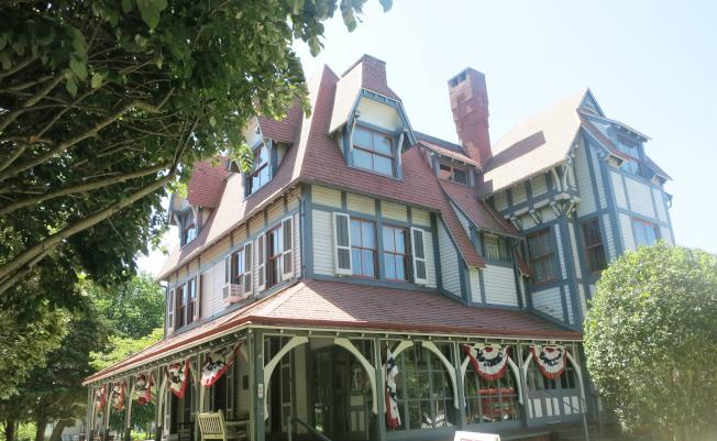 位於五月岬的費日克家豪宅。