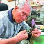 最老磨剪刀師傅 一磨76年近九旬