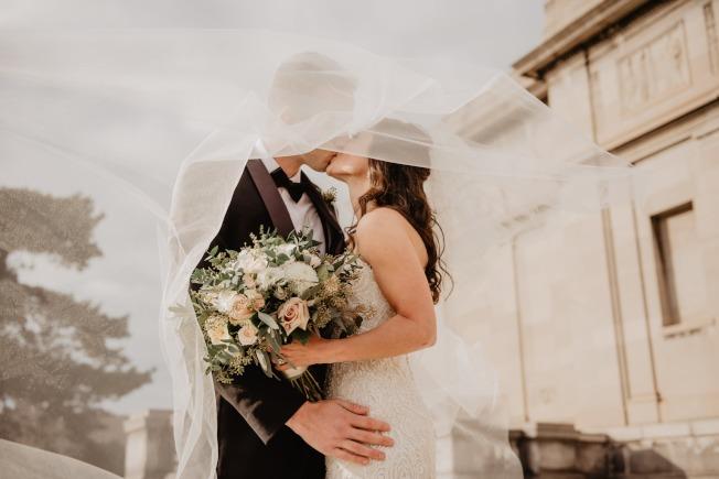 水象星座是最融洽的組合,只要把愛情觀點融會貫通,長久的婚姻,根本不放在眼裡。圖/摘自 pexels