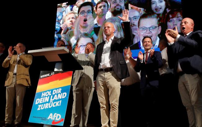 德國東部布蘭登堡邦1日舉行選舉,出口民調顯示,極右派的德國另類選擇黨在得票率22.5%,可望竄升為第二大黨,衝擊總理梅克爾的執政聯盟。(路透)
