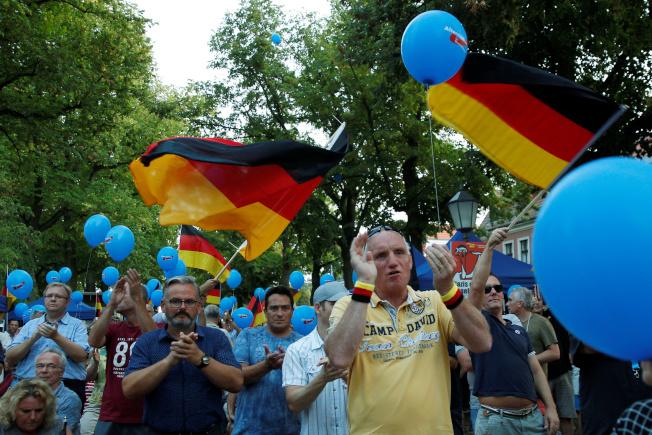 德國東部薩克森邦與布蘭登堡邦1日舉行選舉,出口民調顯示,極右派的德國另類選擇黨可望竄升為這兩邦的第二大黨,衝擊總理梅克爾的執政聯盟。(路透)