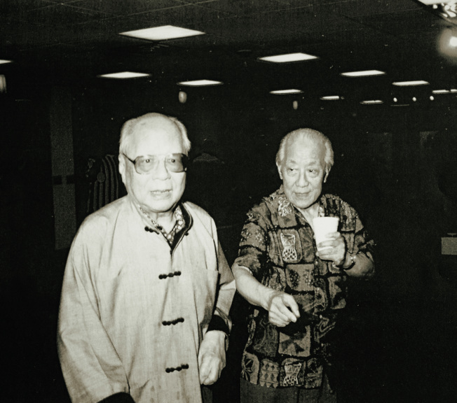 王己千(左)、張隆延兩位先生合照。