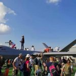 中國翼龍Ⅱ樣機俄航展遭破壞…機身坍塌、起落架受損