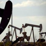 川普又放狠話、美製造業陷萎縮 紐約原油早盤大跌逾4%