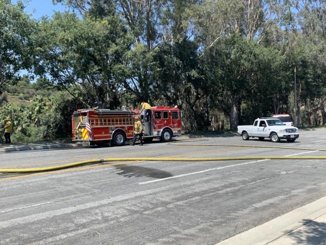 消防局迅速趕到現場搶救。(記者高梓原/攝影)