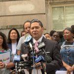 蔑稱亞裔為「黃種人」 、「黃種兒童」 非洲裔教育委員惹眾怒