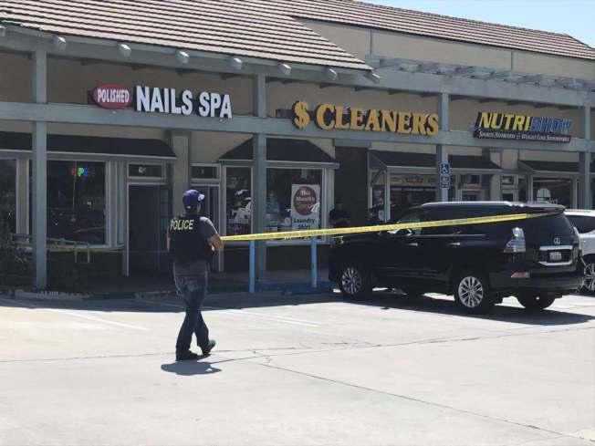 被搶劫的珠寶店位於格蘭杜拉66號公路700號路段的一個購物中心。(記者楊青/攝影)