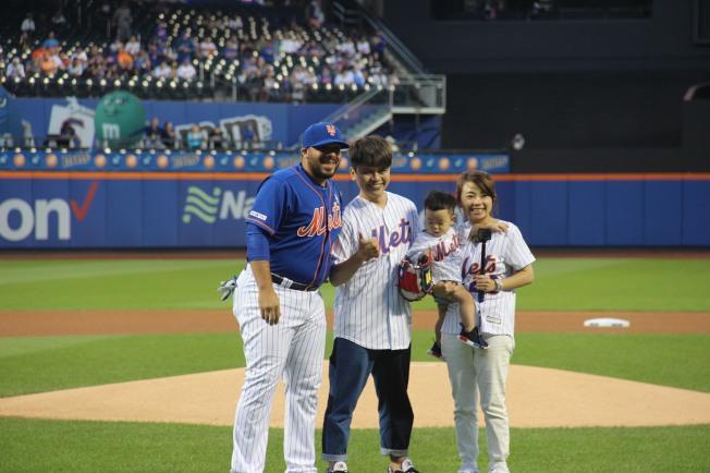 紐約「大都會台灣日」7日登場,台灣網紅蔡阿嘎是當天開球嘉賓。 (記者賴蕙榆╱攝影)