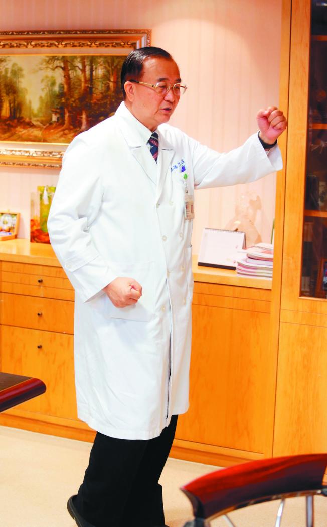 新光醫院院長侯勝茂說,對成年人來說,最好的運動是健走。(本報資料照片)