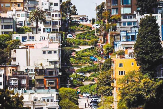 號稱世上最曲折街道的舊金山九曲花街(Lombard St.)。(Getty Images)