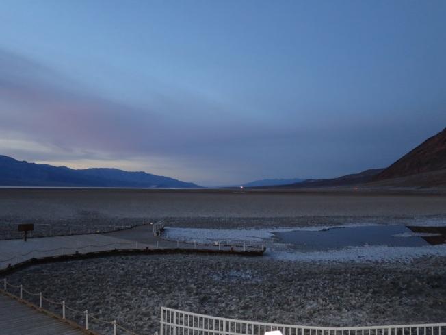 死亡谷國家公園裡的惡水盆地,是全美最低點。(圖為作者提供)