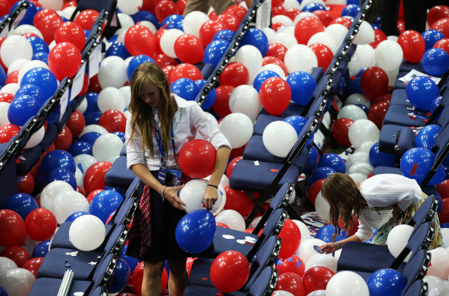 為保護海洋及海洋動物,美國部分州及10多個城市開始針對氣球設限。(Getty Images)