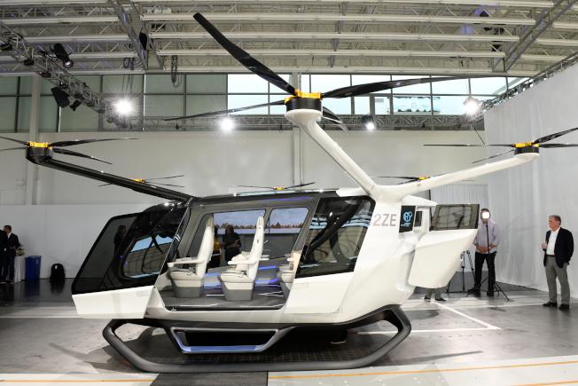 最近有間科技公司宣布推出世界上第一款使用氫燃料電池的飛行器,同時解決空氣汙染和交通堵塞的問題。(路透)