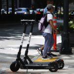 都市街道愈來愈「擠」 共享電動滑板車成救星