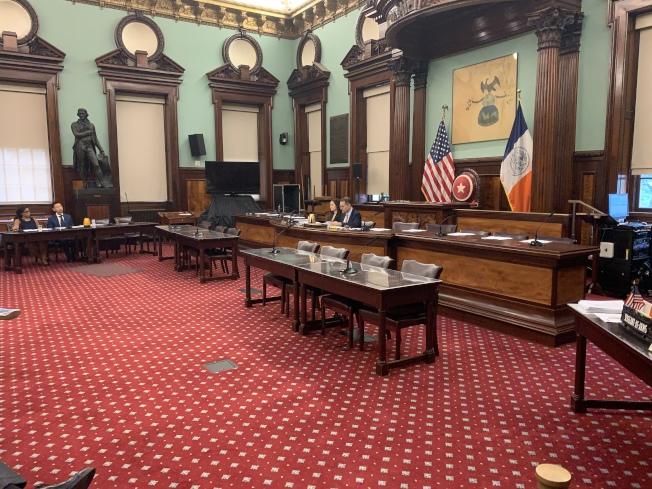 市議會健康委員會9日舉辦公聽會,針對高血壓等慢性病防治提案聽取政府和公眾意見。(記者和釗宇/攝影)