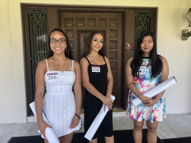 來參加甄選的少女Devon(左起)、Evette和Seojin。(記者王若然/攝影)