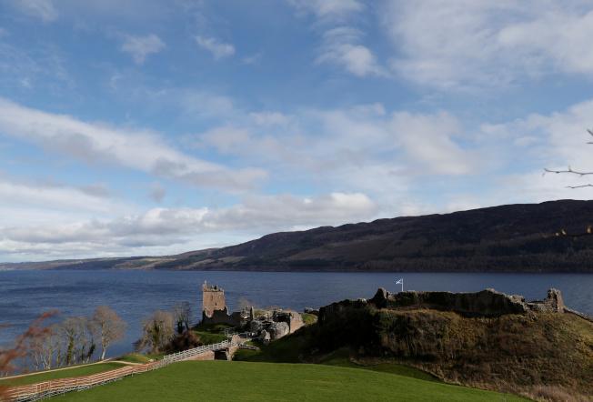 英國蘇格蘭的尼斯湖以水怪傳說聞名於世。(路透)
