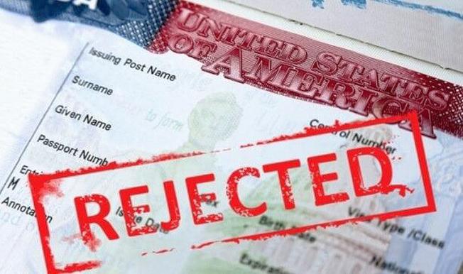 不僅綠卡申請者,連外國人一旦發現用過美國福利,都可能面臨申請簽證被拒。(本報檔案照)