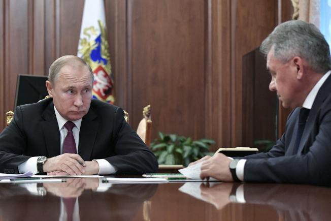 CIA挖到黄金 潜伏在俄的间谍能拍下普亭办公桌上文件