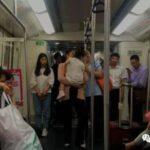 深圳地鐵女性車廂 擠滿男乘客
