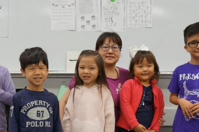薛雅分老師說故事。
