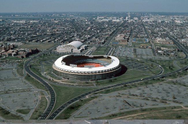 位於華盛頓特區的58歲甘迺迪紀念球場或將於2021年拆除。(維基百科)