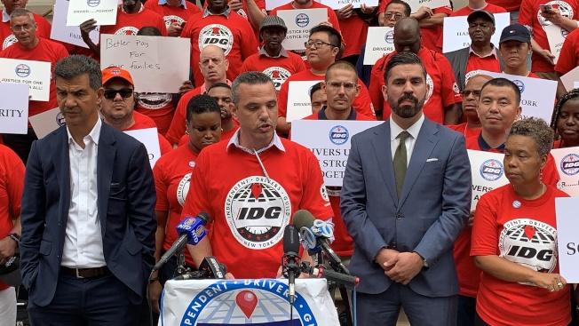 獨立司機工會執行總監塞克斯頓表示,TLC設立的17.22元的網約車司機最低工資並未被有效執行和監管,司機的收入沒有得到有效提高。(記者和釗宇/攝影)