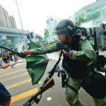 休班港警也配警棍 執法防身?增加衝突?