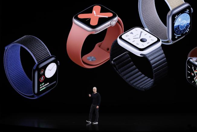 蘋果於秋季發表會中推出Apple Watch Series 5,預計20日在專賣店上架。(路透)