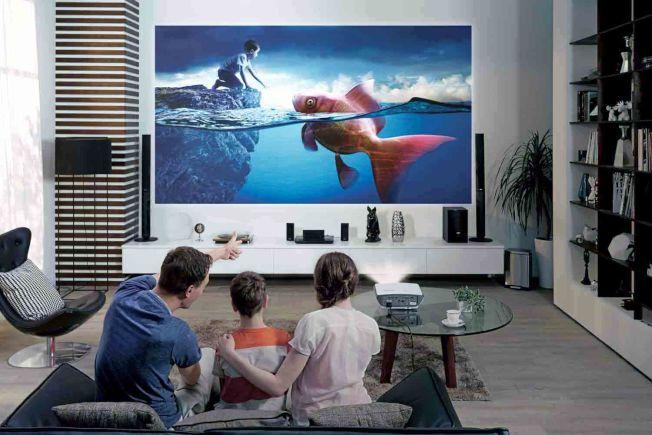 具有電視功能的投影儀搶走傳統電視的不少市場份額,尤其在年輕人中更加流行。(BenQ官網)