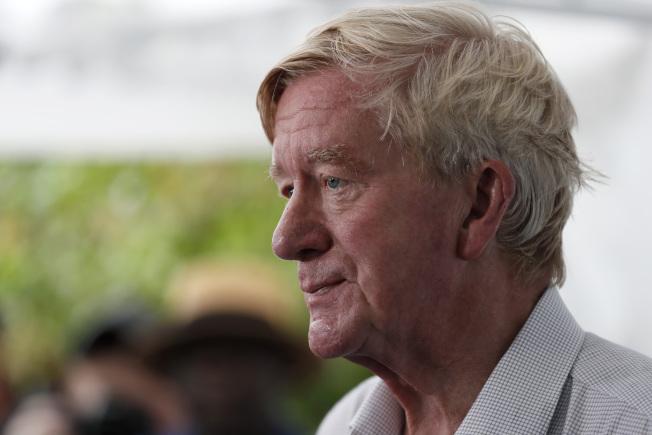 前麻州州長威爾德是2020年挑戰川普的共和黨人之一,他上月中在愛阿華州競選,爭取選民支持。(美聯社)