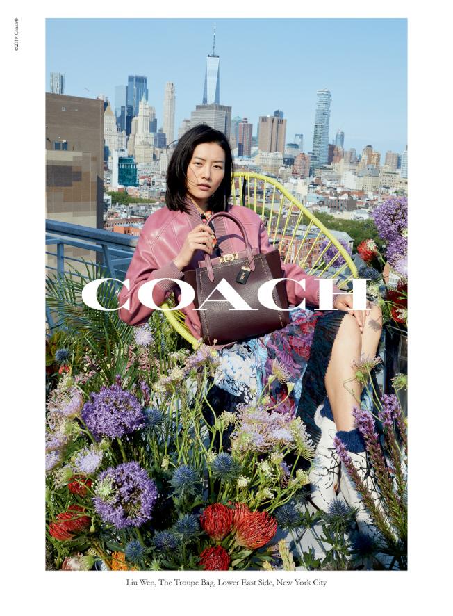 傳受到與Coach解約影響,劉雯將首次缺席四大國際時裝周。(圖:COACH提供)