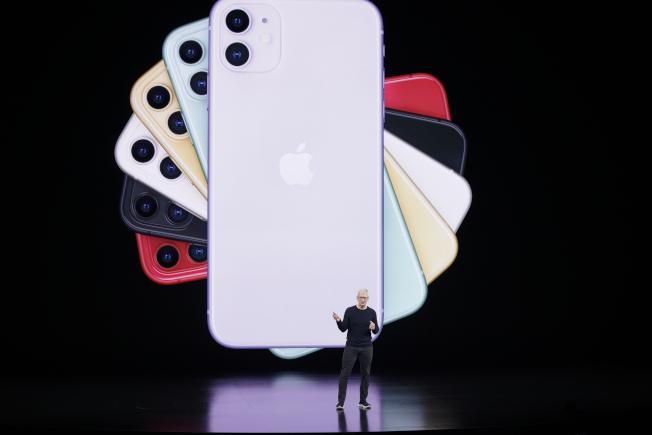 蘋果推出最新旗艦智慧手機:iPhone 11 Pro、iPhone 11 Pro Max和iPhone 11。(美聯社)