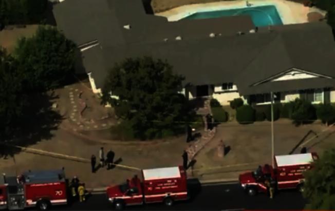 洛市北嶺11日發生槍擊案,檢察官父親開槍打死妻兒後自殺。(KTLA)