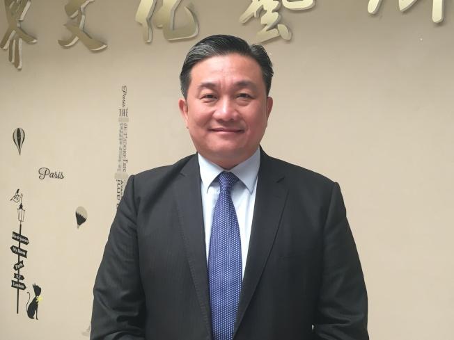 民進黨台南市立委王定宇11日在洛杉磯世界日報「聚焦2020」影音節目表示,這次總統大選是在選擇一個「未來」。(記者謝雨珊/攝影)