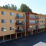東灣公寓轉型可負擔住房  舊房客收入高被逼遷